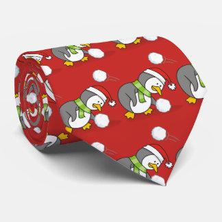 Cravates Pingouin de Noël obtenant une boule de neige