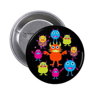 Créatures drôles mignonnes de partie de monstre en badge