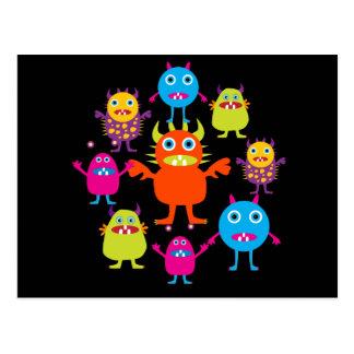 Créatures drôles mignonnes de partie de monstre en carte postale