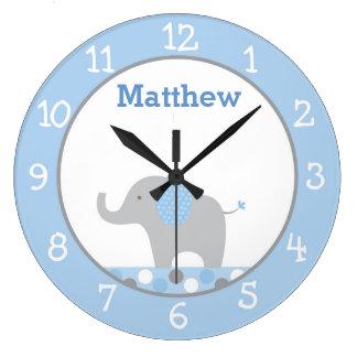 Crèche bleue d'éléphant de point de polka grande horloge ronde