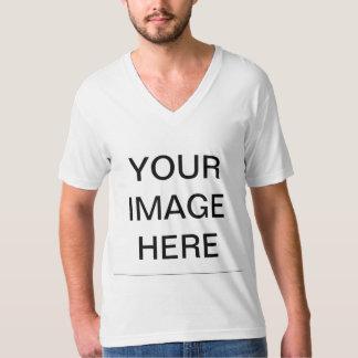 Créez le V-cou américain de l'habillement de vos T-shirt