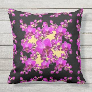 Crème rose fuchsia d'orchidées et motif noir oreillers