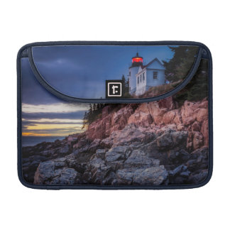 Crépuscule au-dessus de phare bas de port, Acadia Poches Pour Macbook