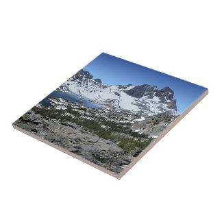 Crête de bannière au-dessus de lac garnet - sierra petit carreau carré