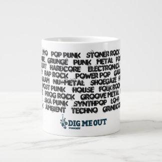 Creusez-moi tasse de café enorme de genres de