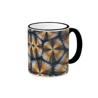 Cristaux de vitamine C sous le microscope Mug Ringer