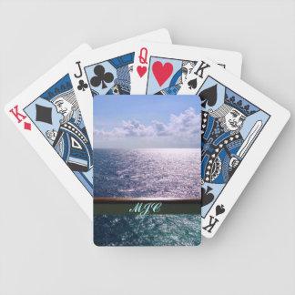 Croisant le bleu d'océan décoré d'un monogramme jeu de poker