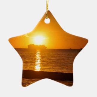 Croisière au coucher du soleil ornement étoile en céramique
