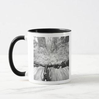 Croisière en bas d'une section de couleur chamois mugs