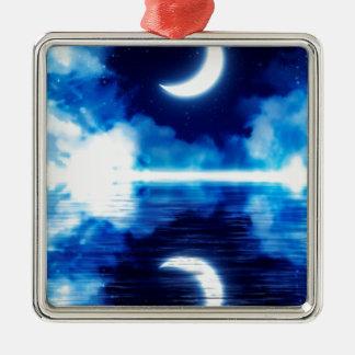 Croissant de lune au-dessus de ciel étoilé ornement carré argenté