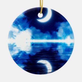 Croissant de lune au-dessus de ciel étoilé ornement rond en céramique