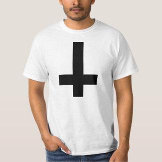 Croix à l'envers t-shirts