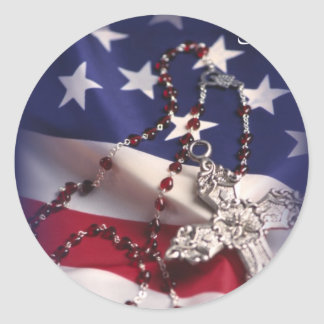 Croix et drapeau du jour de vétéran sticker rond