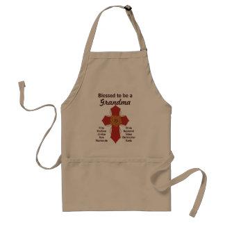 Croix-Rouge bénie pour être un tablier de grand-ma
