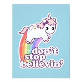 Croyez à l'anniversaire de licornes carton d'invitation 10,79 cm x 13,97 cm