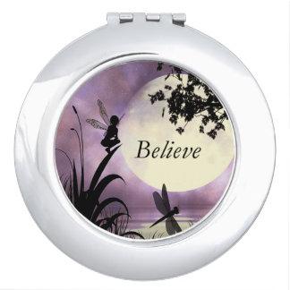 Croyez le miroir de fée d'étang de clair de lune miroir de poche