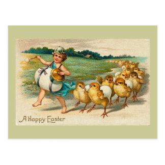 Cru de défilé de poussin de Pâques Carte Postale