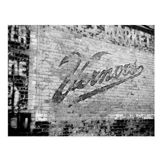 Cru de mur de briques d'Ann Arbor Michigan Vernor Carte Postale