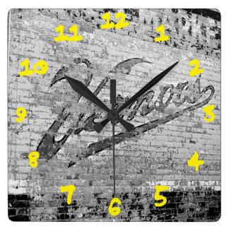 Cru de mur de briques d'Ann Arbor Michigan Vernor Horloge Carrée