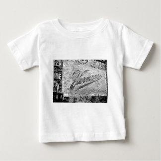 Cru de mur de briques d'Ann Arbor Michigan Vernor T-shirt