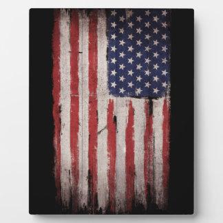 Cru grunge en bois de drapeau américain plaque photo