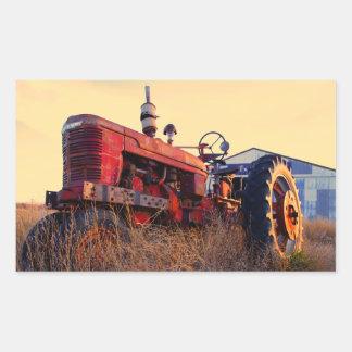 cru rouge de machine de vieux tracteur sticker rectangulaire