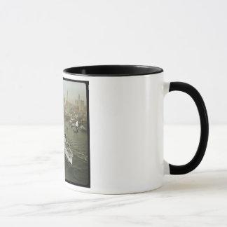 Cuirassé de 2ÈME GUERRE MONDIALE sur le cru du Mug