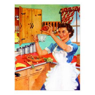 Cuisine suburbaine de cuisine de femme au foyer de carte postale