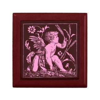 Cupidon en bois fait sur commande de rose de petite boîte à bijoux carrée