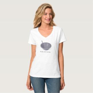 Cuvettes avec le T-shirt nano de V-Cou de Hanes de