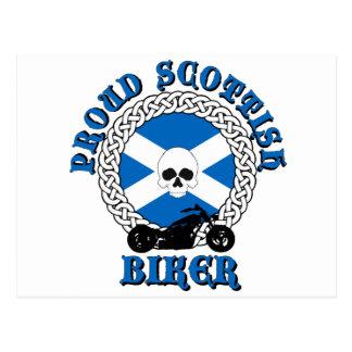 Cycliste écossais fier carte postale