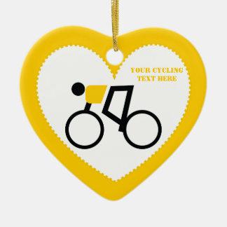 Cycliste montant sa coutume de bicyclette ornement cœur en céramique
