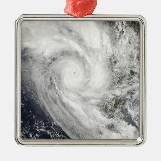 Cyclone tropical Fanele au-dessus du Madagascar Ornement Carré Argenté