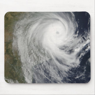 Cyclone tropical Favio au-dessus de la Mozambique Tapis De Souris