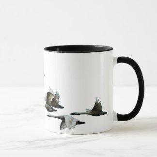 Cygnes série, tasse de vol d'oiseaux