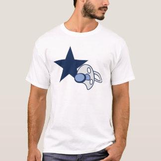 Dallas suce le T-shirt des hommes