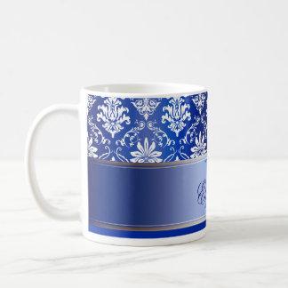 Damassé bleue et blanche de monogramme mug blanc