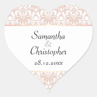 Damassé rose poussiéreuse de lustre sur le mariage sticker cœur