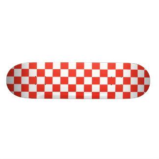 Damier rouge skateboards personnalisables