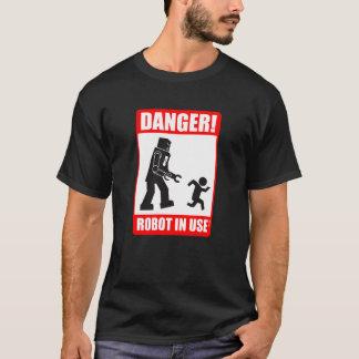 Danger ! T-shirt en service de robot