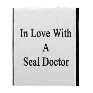 Dans l amour avec un docteur de joint coques iPad