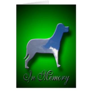 Dans la carte de sympathie de chien de mémoire
