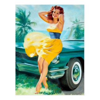 Dans le Pin jaune de robe Carte Postale