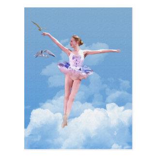 Danse de ballerine dans la carte postale de nuages