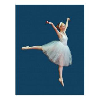 Danse de ballerine sur la carte postale bleue
