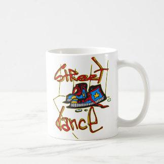 Danse et chaussures de rue mug