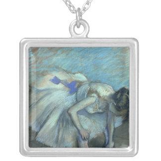 Danseur assis par   d'Edgar Degas, c.1881-83 Pendentif Carré