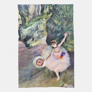 Danseur avec un bouquet des fleurs par Edgar Degas Linges De Cuisine