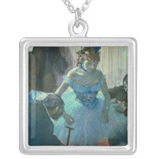 Danseur d'Edgar Degas   dans son vestiaire Pendentif Carré