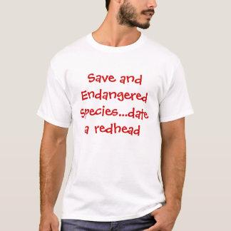 Date économisez et d'espèce menacée… un roux t-shirt